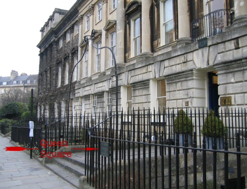 Location of plaque in Queen Square